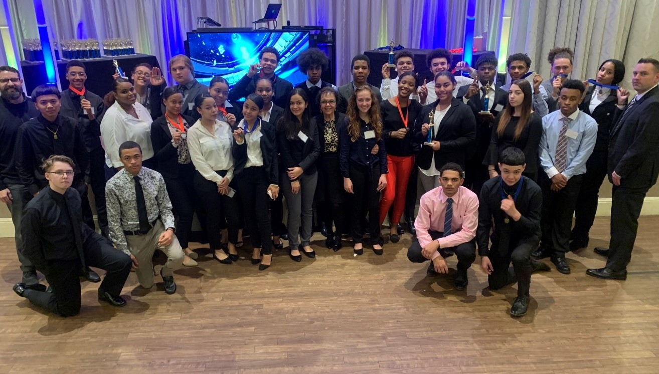 SOUTHEASTERN DECA MEMBERS WILL BE COMPETING FOR THEIR NATIONAL COMPETITION SPOTS